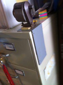 Idea .090420 Magnetic Pencil Sharpener Base 1
